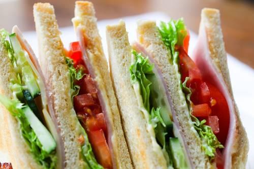 Dall'inventore a D'Annunzio: quello che non sapete sul sandwich